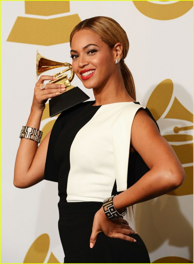 LOS ANGELES, CA - FEBRUARY 10:  Singer Beyonce, winner Best Traditional R&B Performance, poses in the press room at the 55th Annual GRAMMY Awards at Staples Center on February 10, 2013 in Los Angeles, California.  (Photo by Jason Merritt/Getty Images)